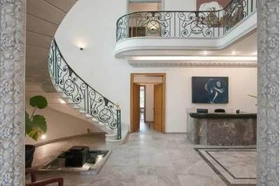 Espectacular Residencia Clasica Con Uso De Suelo Para Oficin