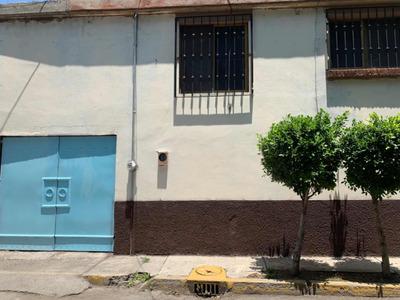 Casa Con 3 Recámaras Y La Principal Con Jacuzzi