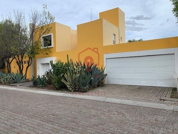 Casa De Un Nivel En Huertas El Cármen, Corregidora Ln
