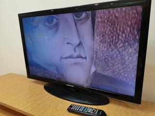 Tv. Led Samsung 32´. (con Caja Y Manual).