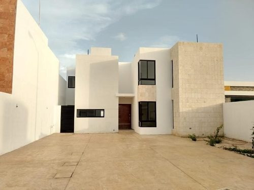 Casa En Venta En Mérida En Dzitya Con Canal De Nado,3 Habitaciones