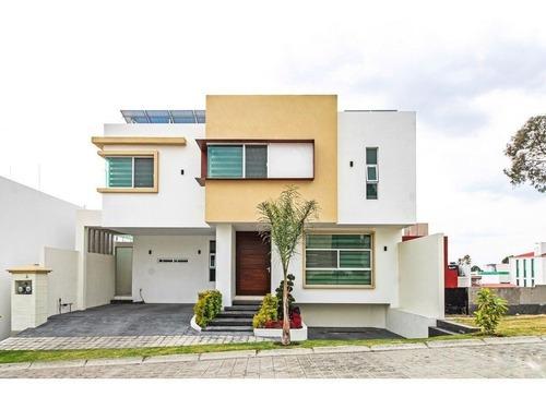 Casa En Venta En Residencial La Calera Puebla