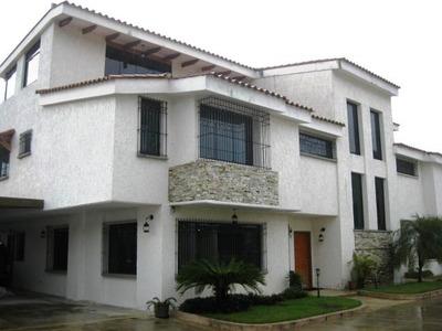 Townhouse En Venta En Barrio Sucre Amoblado. Mcmb 18-13080
