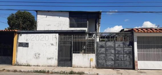 Apartamento En Alquilereste De Barquisimeto 21-3580 F&m