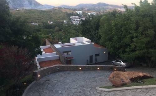 Hermosa Residencia En Las Cañadas Con Vista Increible (808)