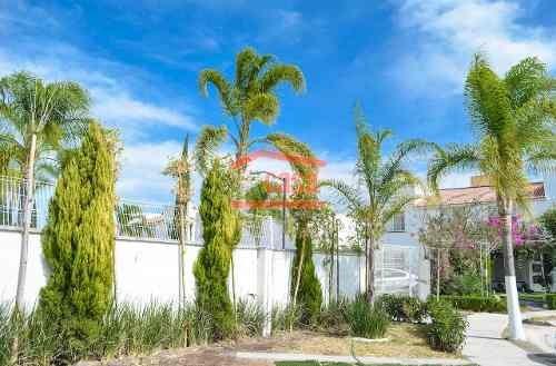 Casa Villas Palmira En Privada Con Alberca