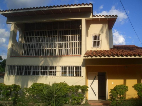 Casa En Venta Urb. La Floresta 20-20161 Jcm