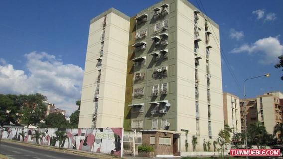 Apartamentos En Venta En Base 19-2324 Jev