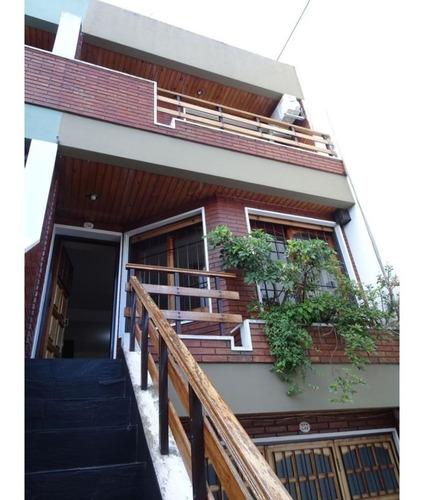 Hermosa Casa En Venta En Parque Chacabuco. Exc Ubicacion