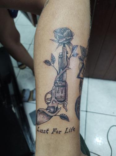 Imagem 1 de 5 de Queiroz Art Tattoo Studio