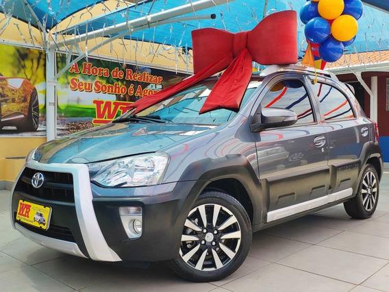 Toyota Etios Cross 2014 1.5 Flex