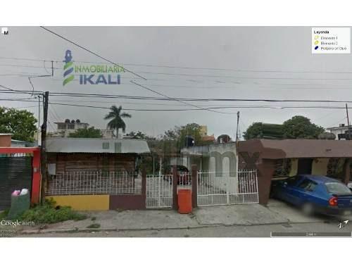 Venta Terreno 425 M² Colonia Cazones Poza Rica Veracruz, Ubicado En La Calle 8 De La Colonia Cazones En El Municipio De Poza Rica Veracruz. Cuenta Con 10 Metros De Frente Por 42.30 Mts De Fondo, Cuen