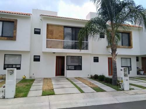 Se Vende Hermosa Casa En Valle De Juriquilla