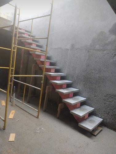 Imagem 1 de 8 de Escadas Pré Moldadas