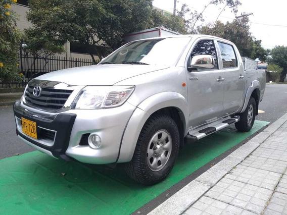 Toyota Hilux 2500 Cc Mt Abs Aa Diesel 4x4 2014