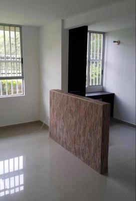 Apartamento Primer Piso En Barrio La Hacienda Cali