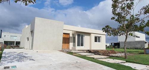 Casa En Venta 3 Dorm A Estrenar En Puertos Del Lago