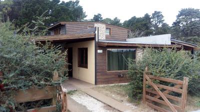 Exelente Propiedad Con 2 Casas Y Pileta