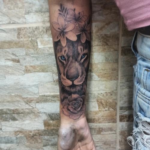 Imagem 1 de 5 de Tatuagem
