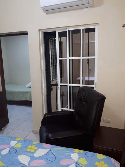 Alquiler Apartamento Amueblado, Zona Colonial, 2 Habs