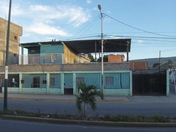 Casa En Venta Ruiz Pineda Lara 20 1692 J&m 04120580381