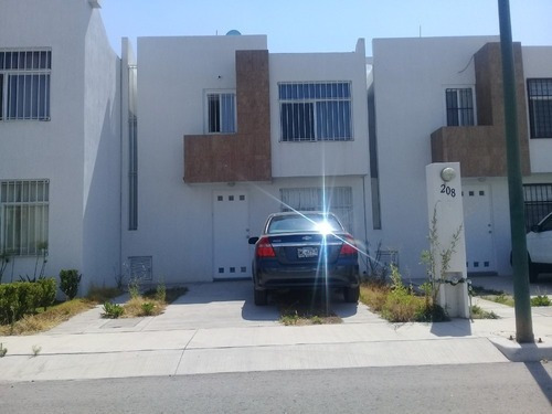 Casa En Venta Santa Barbara Fracc Monterral Zona Industrial