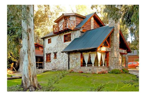 Imagen 1 de 14 de Casa De 6 Ambientes Y 2 Baños