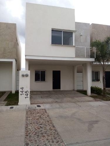 Casa En Renta, Punta Santa Mónica, Av. De La Paz 204, Int 145, Aguascalientes, Rcr 347072