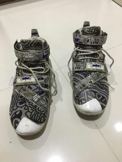 Tênis Nike Lebron