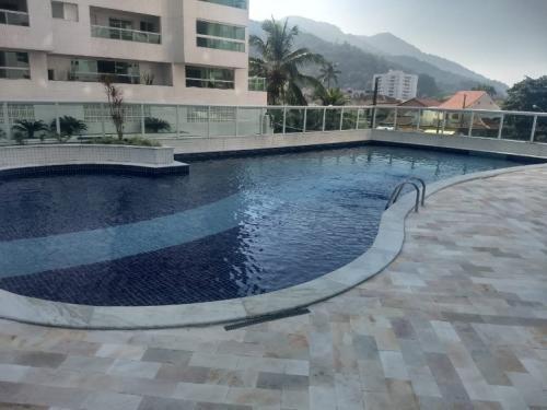 Apartamento No Centro De Mongaguá. Ref. 6125 M H