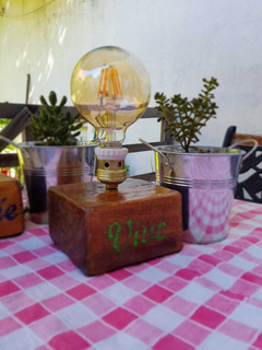 Velador Estilo Industrial Vintage, Cubo Madera Rustico