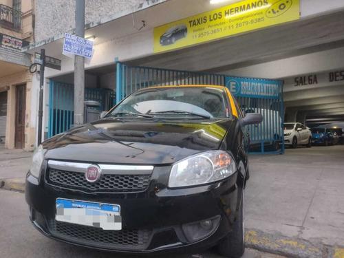 Imagen 1 de 15 de Taxis Usados Fiat Siena 1.4 El Pack Attractive 115 Hp 2016