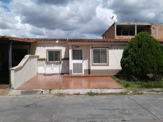 Vende Casa Villas De Yara Sky Group Soc-097 Hector Oliveros