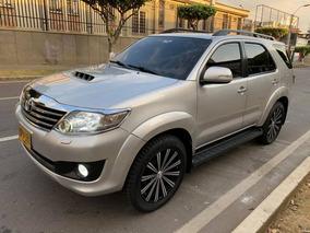 Toyota Fortuner 4x4 Srv Diesel 3.0 Turbo Aut. 7 Puestos 2014