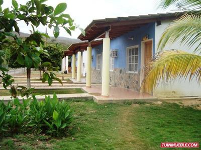 Casas En Venta. Cabañas Carretera Cumana-carupano
