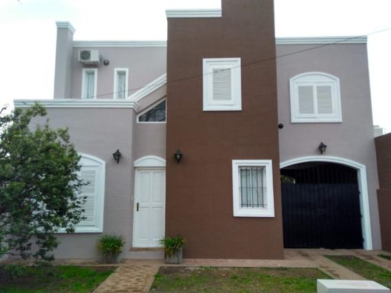 Casa En Florentino Ameghino Centro