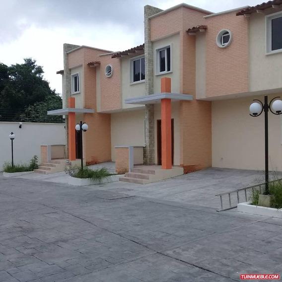 Townhouses En Venta Casa De Campo Barrio Sucre 04125078139