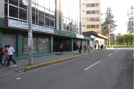 Arriendo Oficina Zona Asamblea Nacional (130 Mts)
