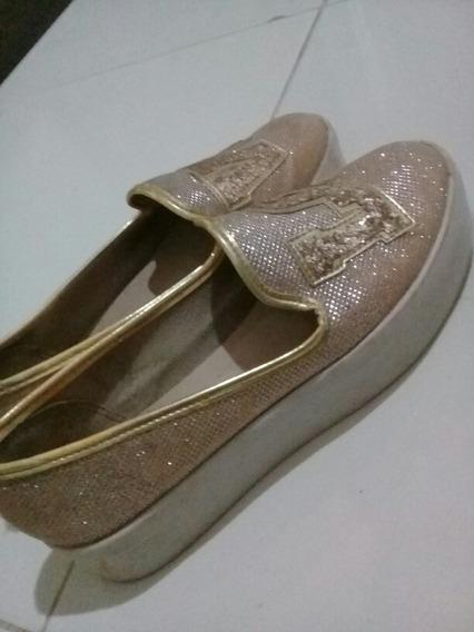 Sapato Estiloso Com Brilho