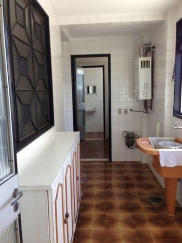 Apartamento Moinhos De Vento Porto Alegre. - 4852