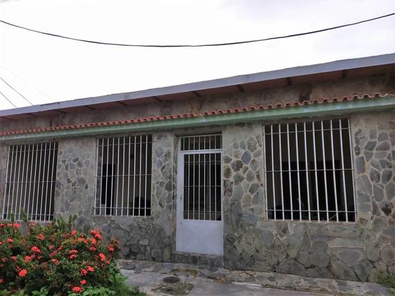 Casa Parque Midev, Paraparal