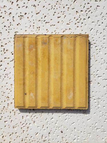 Baldosa De Vereda 20x20 Amarilla En Barras