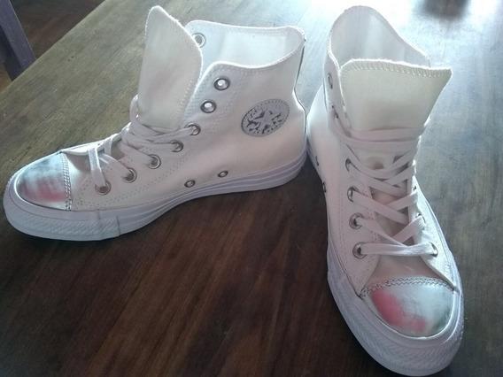 Zapatillas Converse Blancas Con Tela Brillosa Y Plateado