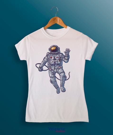 Playera Astronauta Volando Espacio Estrellas Token A La Moda