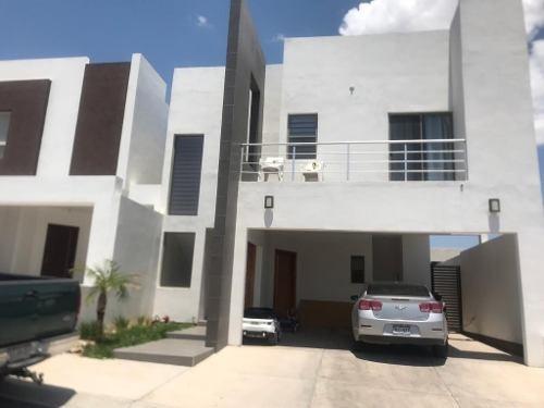 Hermosa Casa Amueblada En Fraccionamiento Privado.