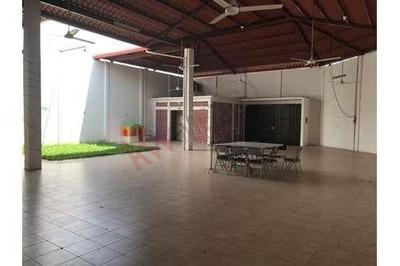 Terreno Comercial / Salón De Fiestas En Venta - Colonia Misol-ha, Tuxtla Gutiérrez