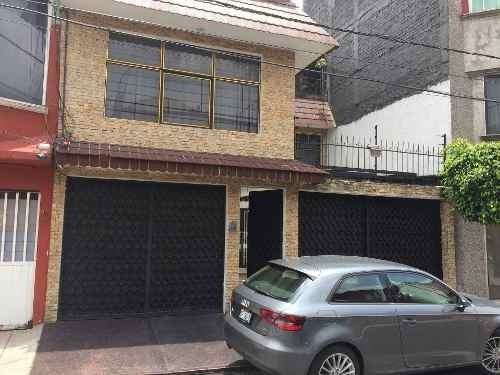 Casa En Renta De 5 Recamaras 300 M. De Construccion $22,000