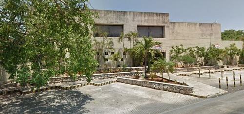 Edificio En Chuburna De Hidalgo, Mérida