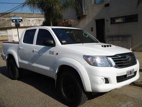 Excelente Estado, Vendo Toyota Hilux 3.0 Tdi 4x2 Año 2015.