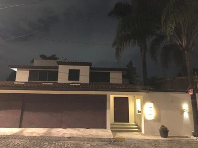 Venta De Casa En Fraccionamiento Santa Cruz Guadalupe